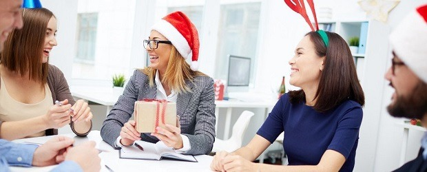 Die betriebliche Weihnachtsfeier – Eine schöne Bescherung