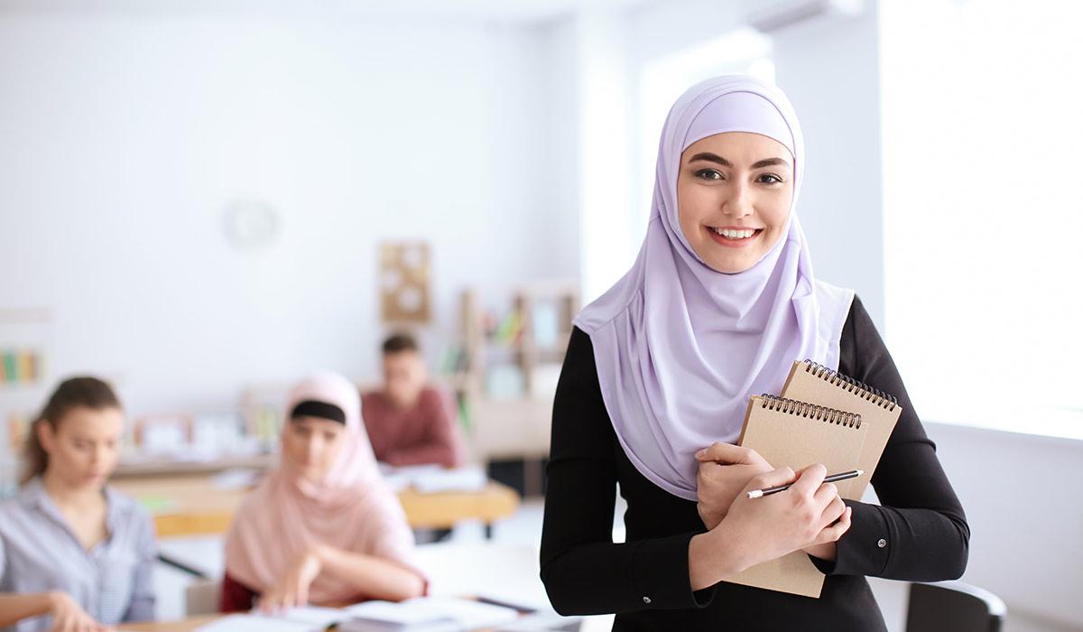 BAG: Pauschales Kopftuchverbot an Berliner Schulen ist verfassungswidrig